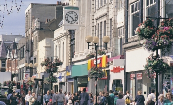Summit called to put High Street back on track