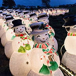 Snowmen lights in row