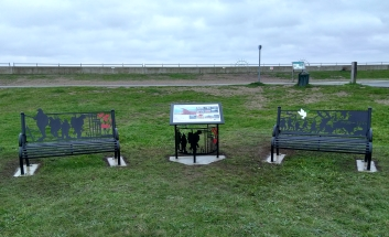 benches and lecture on seafront