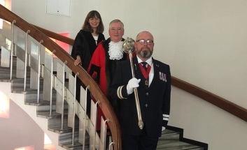 Cllr John Lamb as Mayor, with SBC Chief Exec Alison Griffin and Mace Bearer Adam Tregoning.