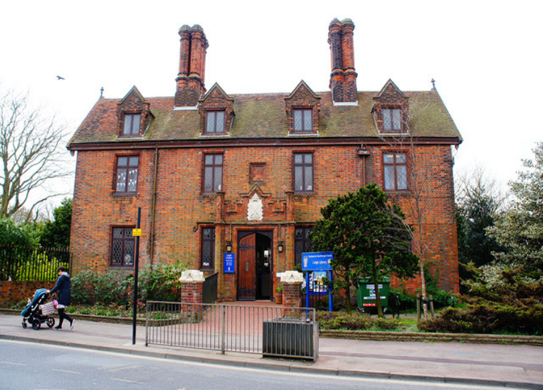 Photo of Leigh Library